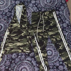 2 piece camouflage leggings and crop top set